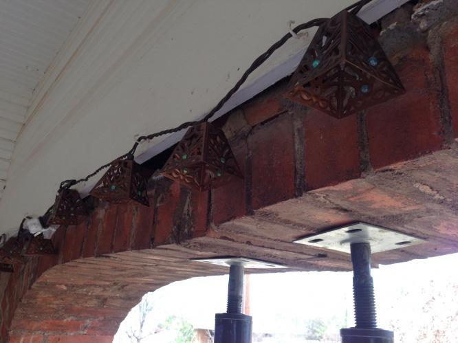 Brick arch falling-subrkwg.jpg