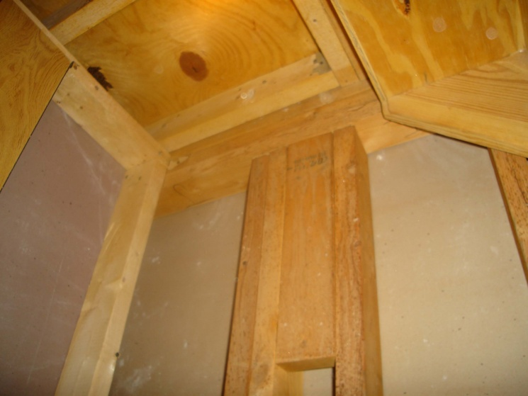 Exceptionnel I Want To Put In A Pocket Door Under Stairs Support1. ...