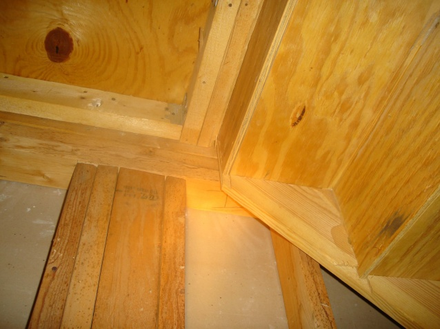 load bearing? I want to put in a pocket door under stairs-support2.jpg