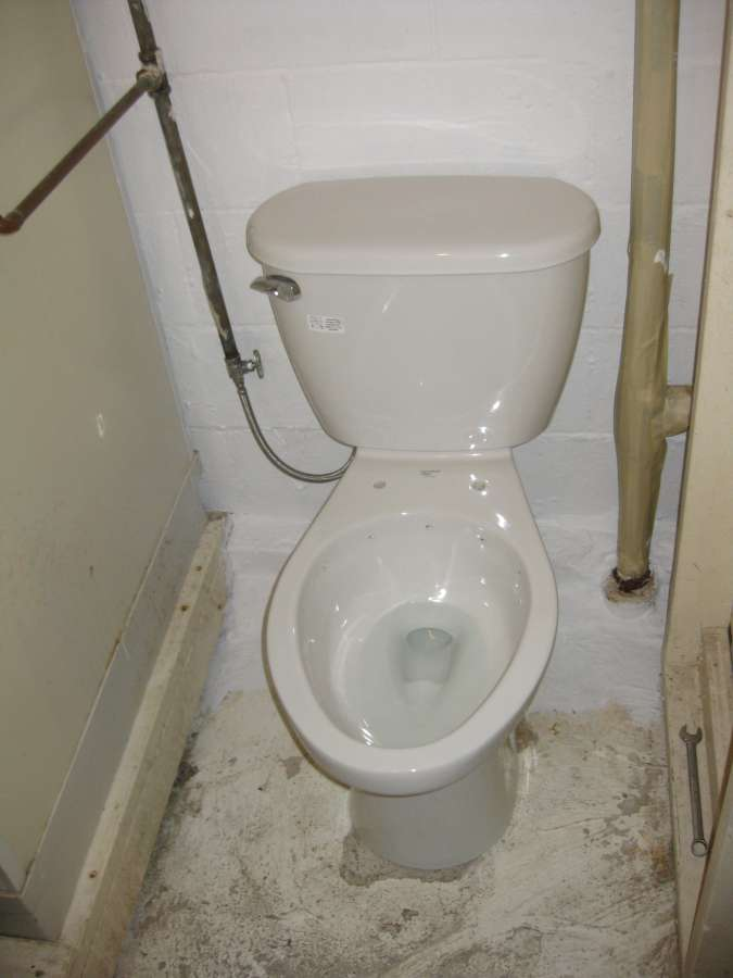A close-up look at the Mansfield Cascade rimless toilet -PICS--t10.jpg