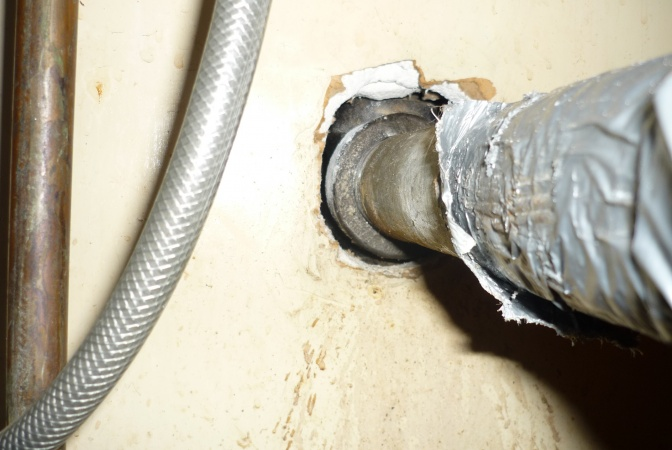 Leaking Drain Pipe Under Kitchen Sink Threaded Into Wall 3