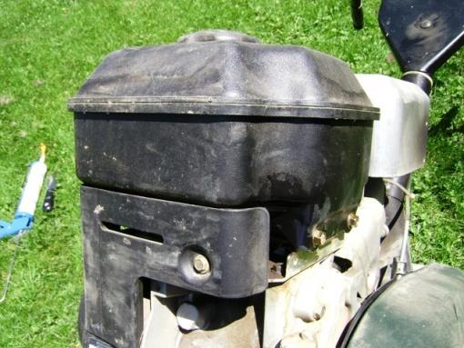 Crack in tiller gas tank-tiller-gas-tank-leak.jpg