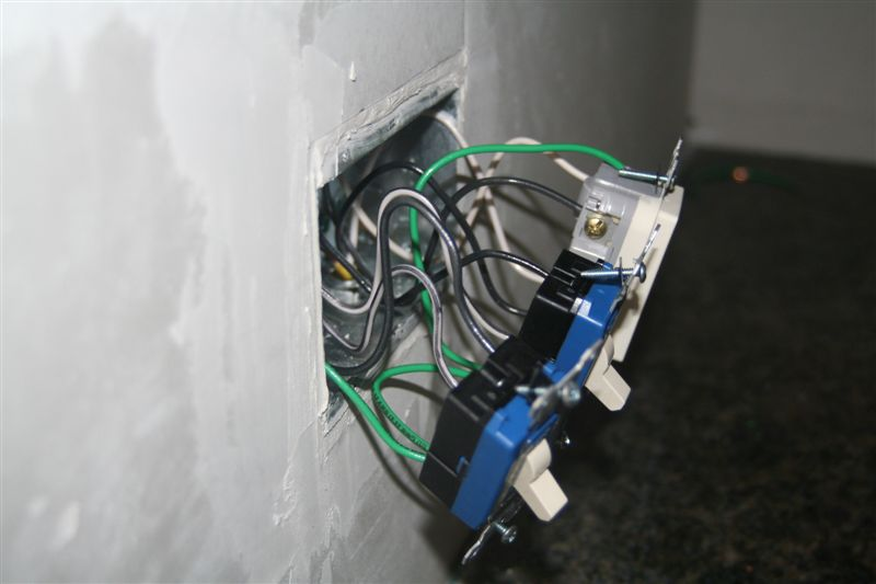 Switch Box / Outlet Photos (with mid wire skining)-top-side-view-devices-wires.jpg