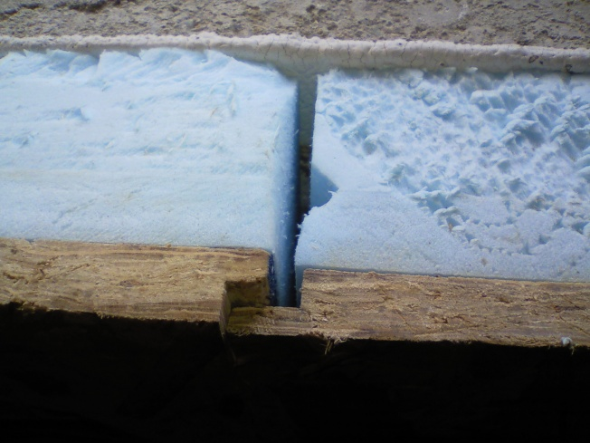 Thermal barrier needed at top of walls?-top-foam-wall.jpg