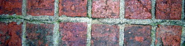 20 year old Brick Wall Repair-top_crack.jpg