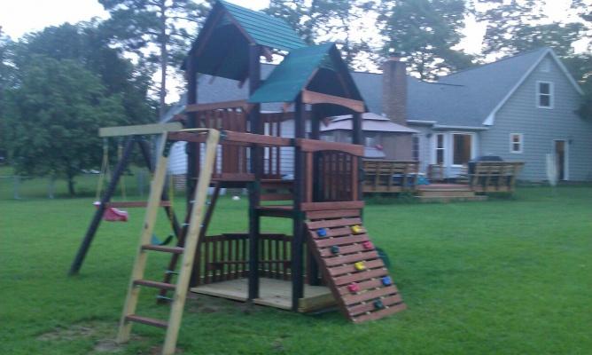 Howdy y'all-treehouse.jpg