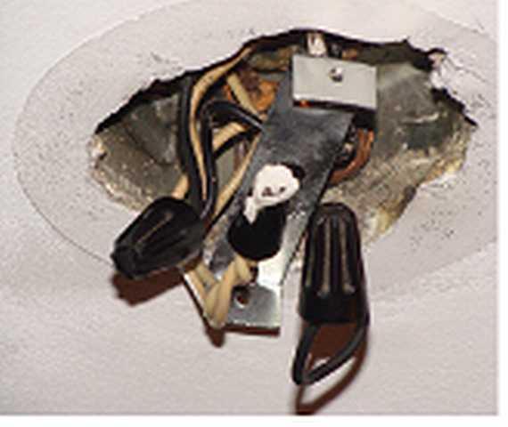 Ceiling Fixture Wiring Issue-trillen88-1.jpg