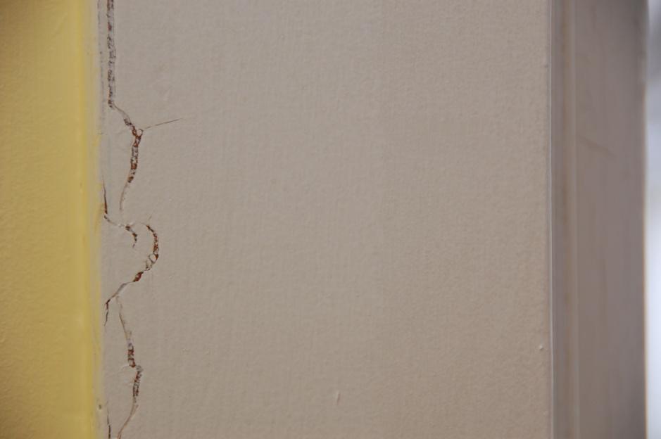 ... Painting Old Interior Trim Trim 006 ...