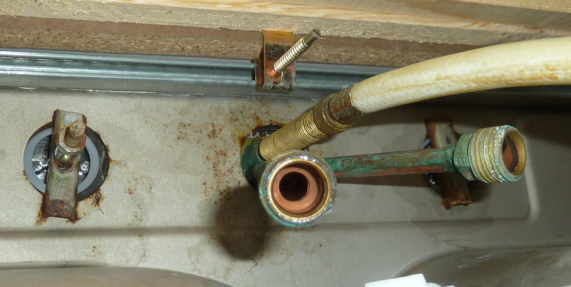 I Canu0027t Figure Out How To Remove This Kitchen Faucet! Undersink.