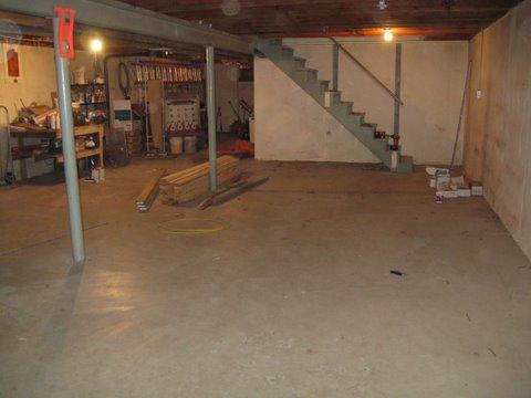 Basement shop-unfinished-bsmt2.jpg