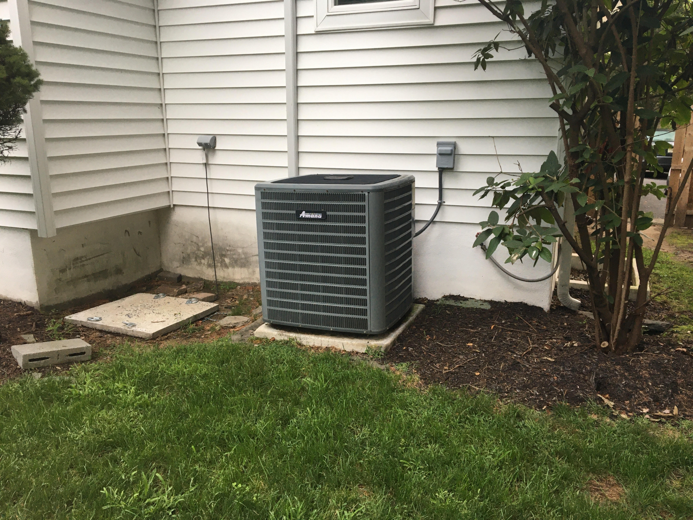 How many tons would you guess this Central AC Unit is? Outdoor portable generator-unnamed-3-.jpg