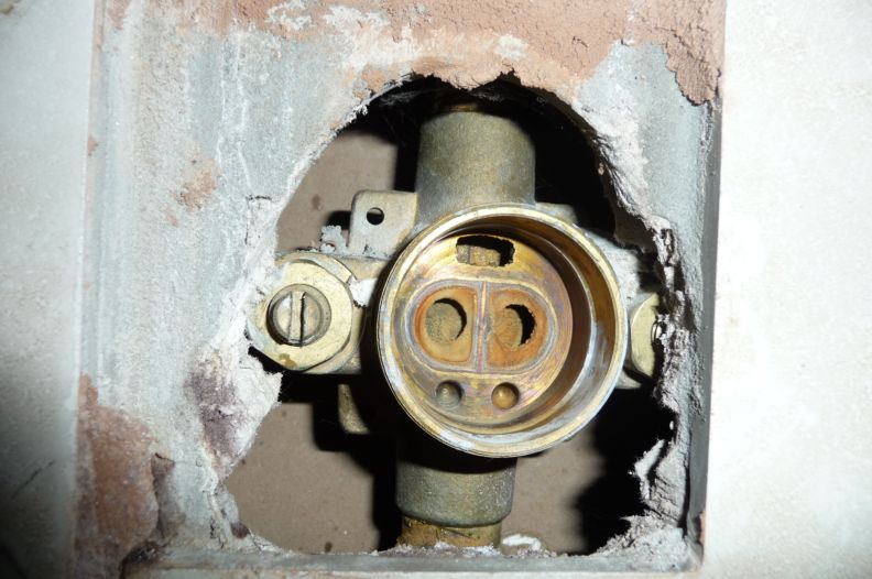 who can tell me what valve it is?-valve.jpg