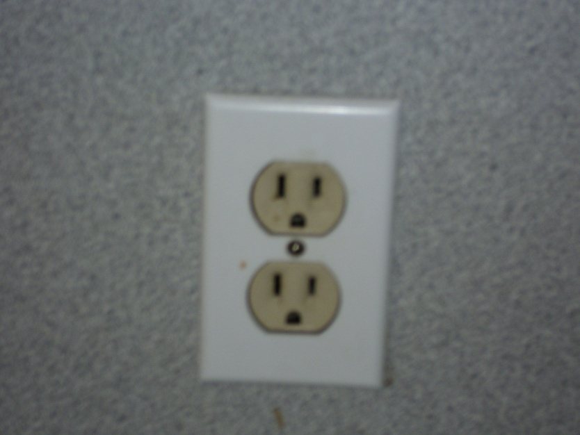 Electric Outlet-wall-002.jpg