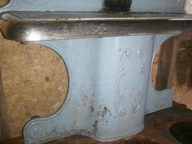Wood Bishop & Co. Antique cook stove-warming-shelf-1024x768-.jpg