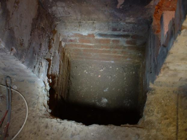 Footings concerning a plllar at a corner-well.jpg