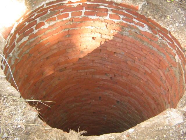 Hand dug well-well-well-009.jpg