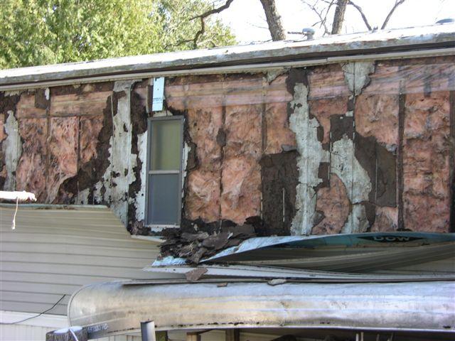 Vinyl Siding Installation-wind-damage-024.jpg