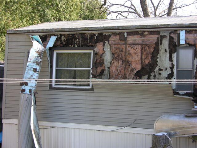 Vinyl Siding Installation-wind-damage-025.jpg