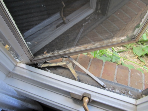 How To Remove The Outside Sash On A PELLA Window To Replace A ...