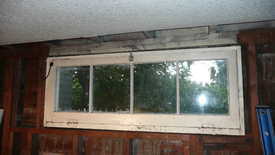Double top plate joint is unsupported, sagging.-window.jpg