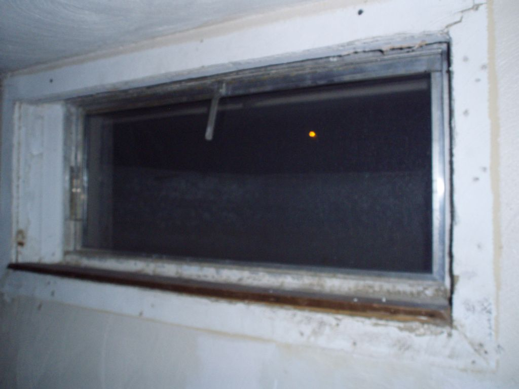 window replacement question-windowbefore.jpg