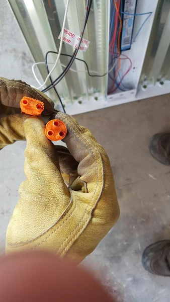 HELP!! How to wire Metalux 6-bulb high bay lamp.-wiring1.jpg