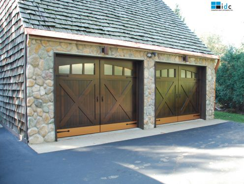 building a garage door with wood