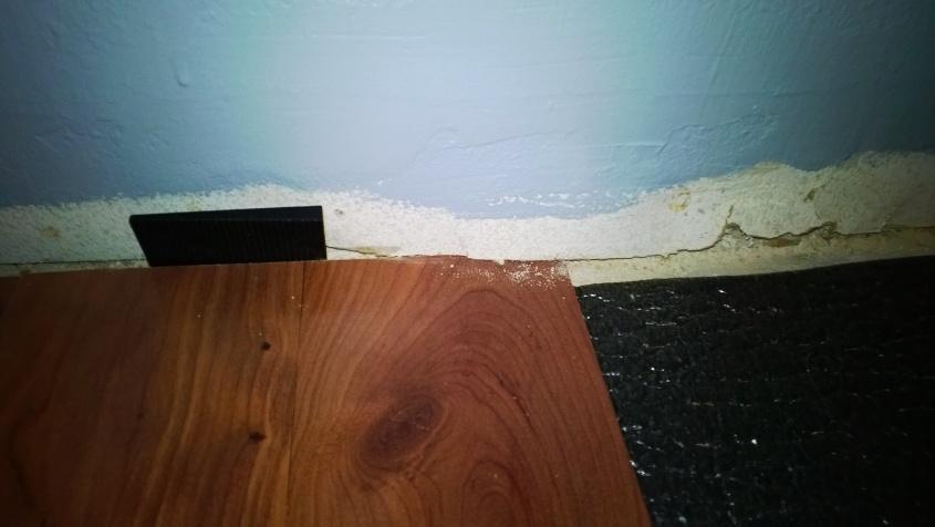Laminate flooring spacer issue-wp_20131106_010-1-.jpg