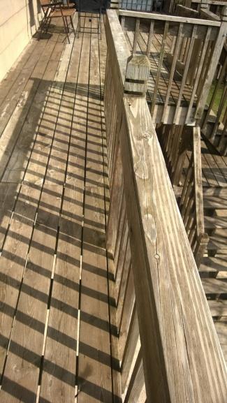 ugly deck-wp_20140502_002.jpg
