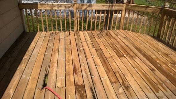 ugly deck-wp_20140502_006.jpg