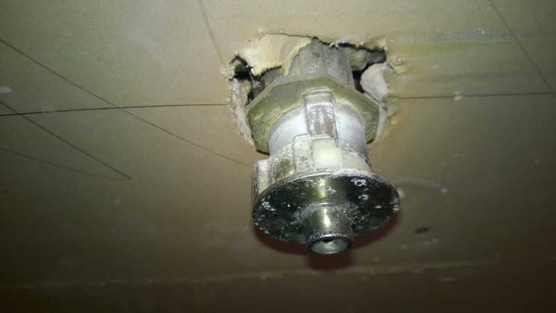 What brand is this shower valve-wp_20141024_15_01_01_pro.jpg