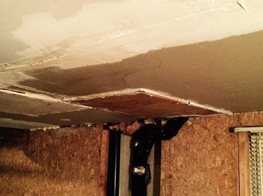 Freezing room above garage-z_wall_ceiling_pipes.jpg