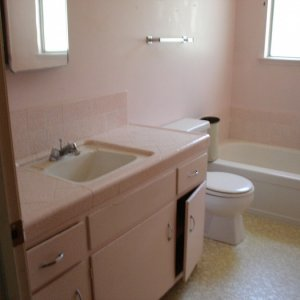 Front bathroom before (that pink is really way more pink in person)!