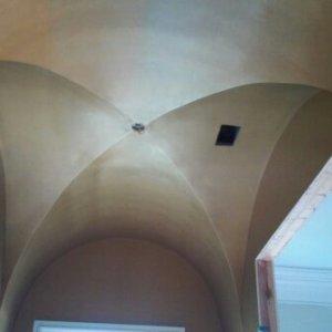 metallic gold wine room ceiling