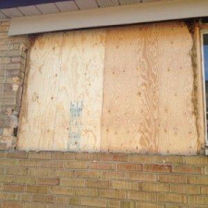 house window 008 (300x225)