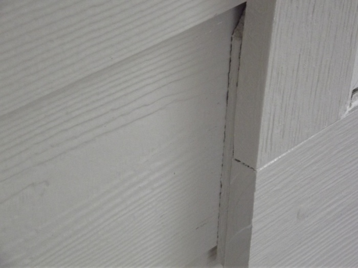 Bottom (R) window Siding 2012 (8) (800x600)