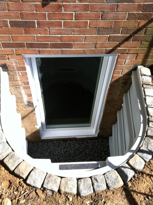 Egress window and well install