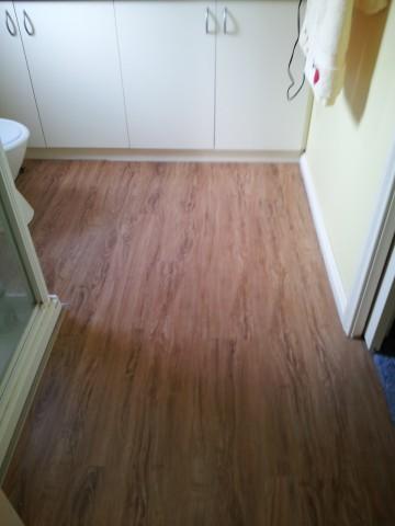 Ensuite post flooring