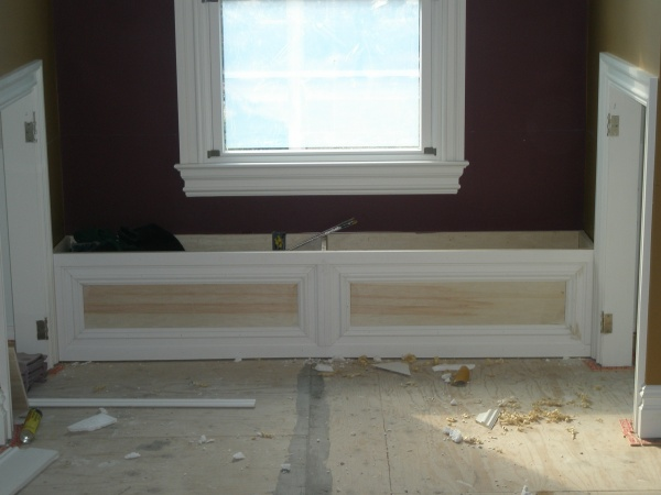 MASTER BEDROOM WINDOW SEAT house 075