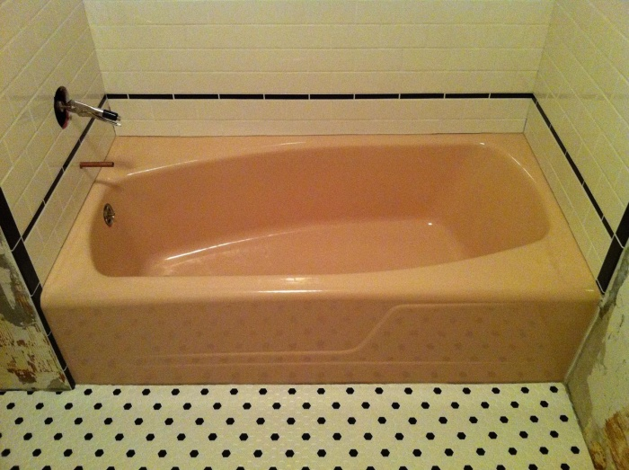 Tub before refinish
