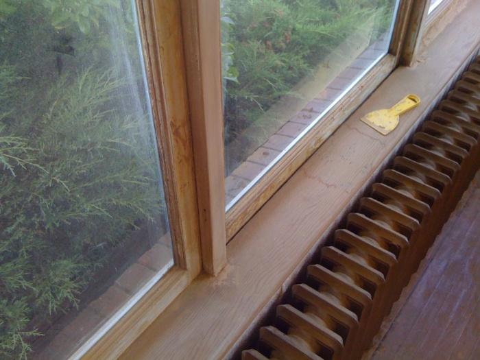 Window frame after sanding